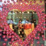 pochoir, lettrage, autocollant, lettres autocollantes, lettres adhésives, décoration de vitrine, impression numérique détourée, impression, print, stickers, signalétique, Soap Opera